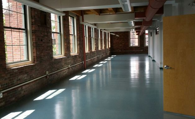 <p>Complete fitout of 8,000 square foot office building. Project included: kitchen, bathroom, flooring, partitions, frameless glass walls, windows and doors. AV work, FOB entry system, new lighting and painting throughout</p>